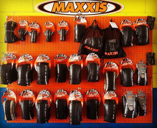 Siamo rivenditori dei pneumatici Maxxis per bici